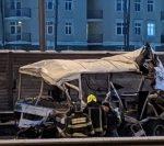В Электростали автобус врезался в кинотеатр