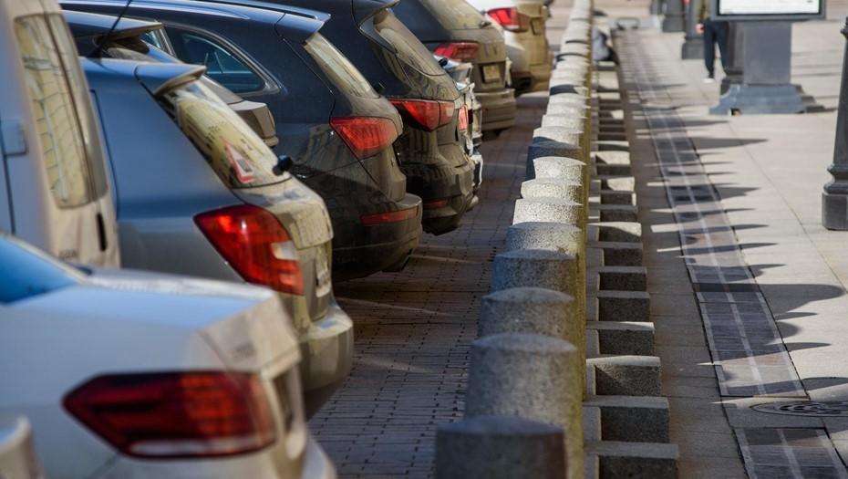 В Кронштадте открыли первую городскую парковку