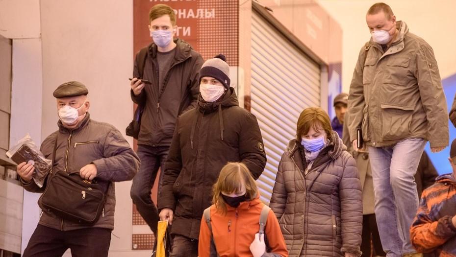 В Смольном заявили о приближении трёх новых волн коронавируса
