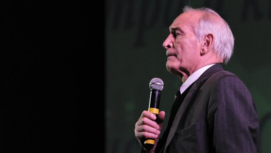Василия Ланового перевели в реанимацию и подключили к ИВЛ