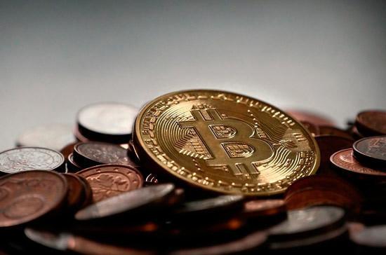 Цена биткоина упала на 16%