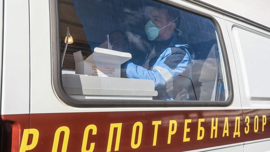 Число тестов на коронавирус в Петербурге сократилось до 25 тыс. в день