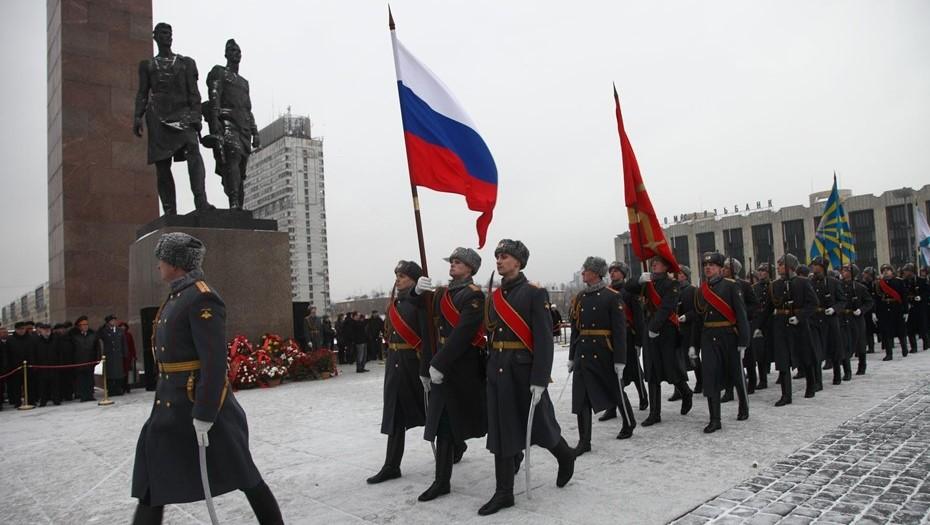 День защитника Отечества изменит расписание автобусов в Петербурге