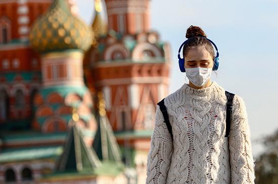 Эксперт допустил новую волну COVID-19 в России с потеплением