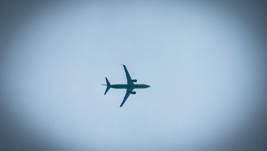 Летевший из Петербурга самолет внештатно приземлился в Минводах