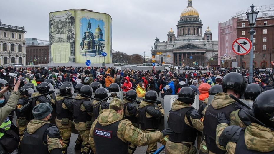 Оштрафованный за митинг глухонемой петербуржец обжаловал решение суда