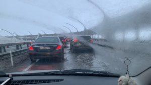 """""""Природа наводит уборку"""": дороги Петербурга затопило после резкого потепления"""