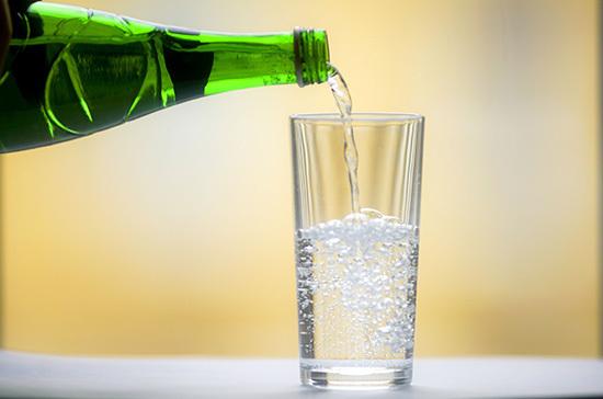 СМИ: маркировка воды в России может начаться в мае