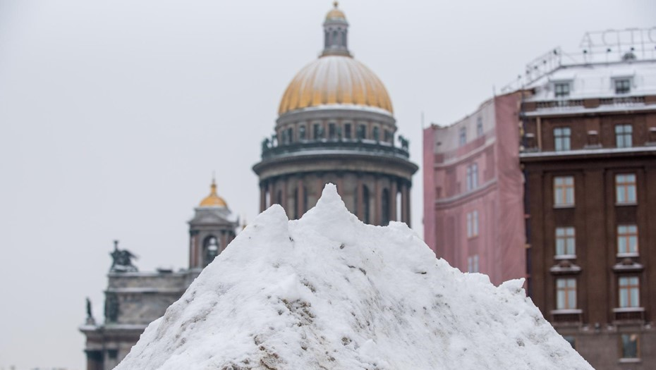 Спасатели предупредили петербуржцев о сильном снегопаде и метели 23 февраля