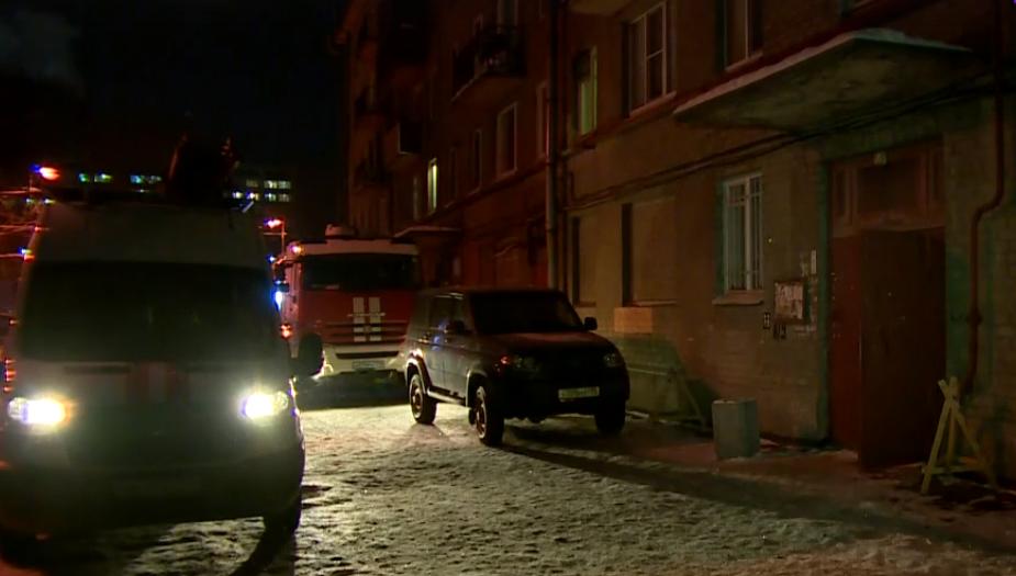 В центре Петербурга начала падать стена жилой пятиэтажки