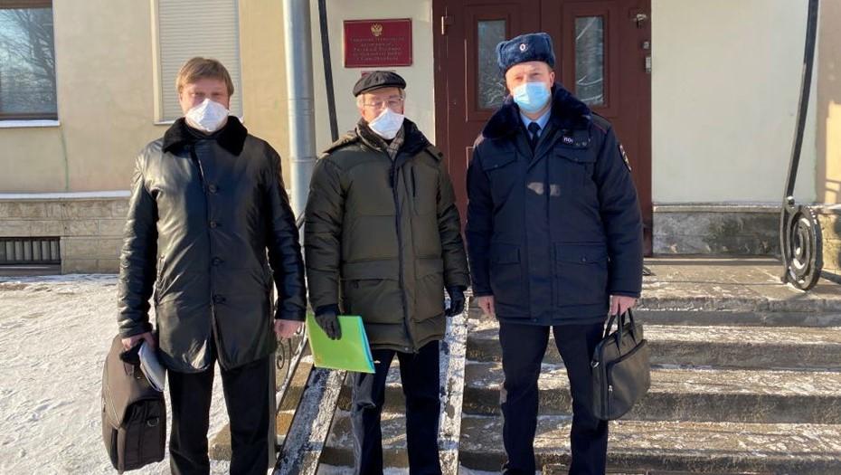В МВД объяснили проблемы с водой для задержанных на акции в Петербурге