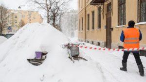 В Петербурге возбудили почти 100 дел из-за проблем с уборкой снега