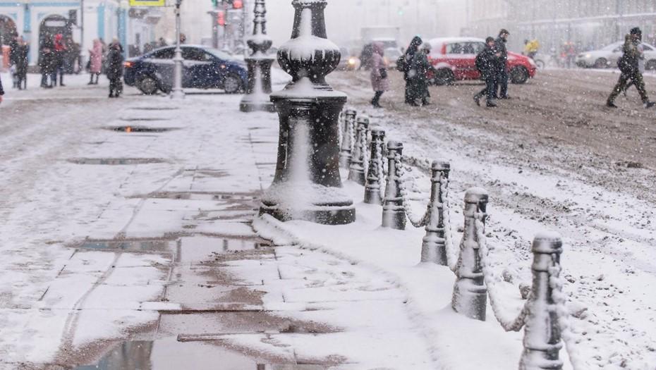 В Петербурге за ночь выпало больше трети месячной нормы снега