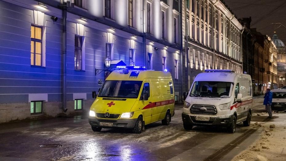 В Петербурге за сутки вновь выявили чуть больше 1 тыс. случаев коронавируса