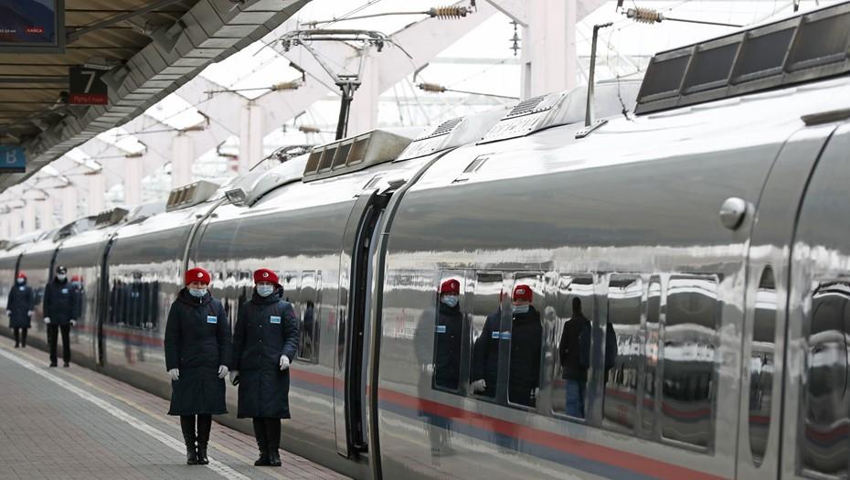 В праздники между Петербургом и Москвой запустят дополнительные поезда