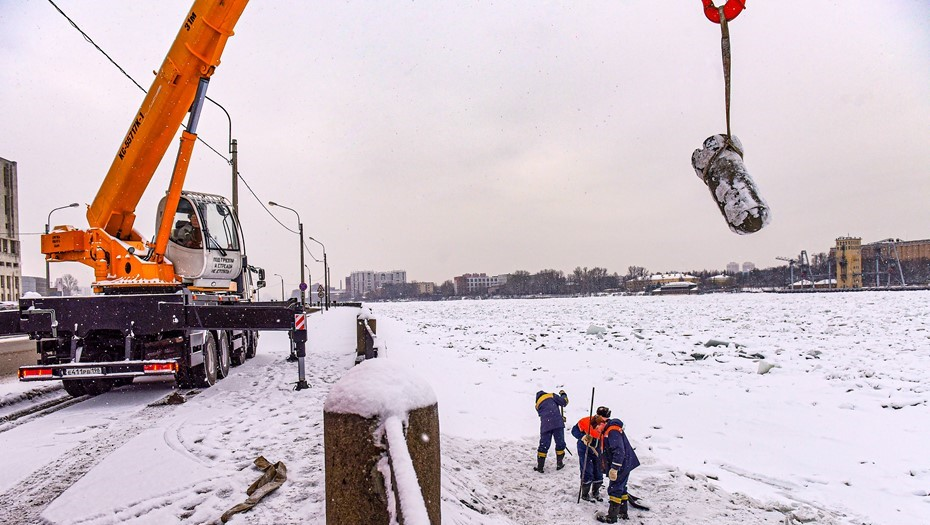 Восстановление петербургских набережных после ДТП оценили в сотни тысяч