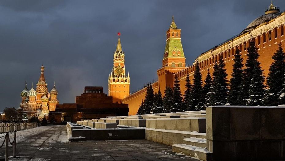 Доступ на Красную площадь в Москве перекрывали из-за забытого пакета