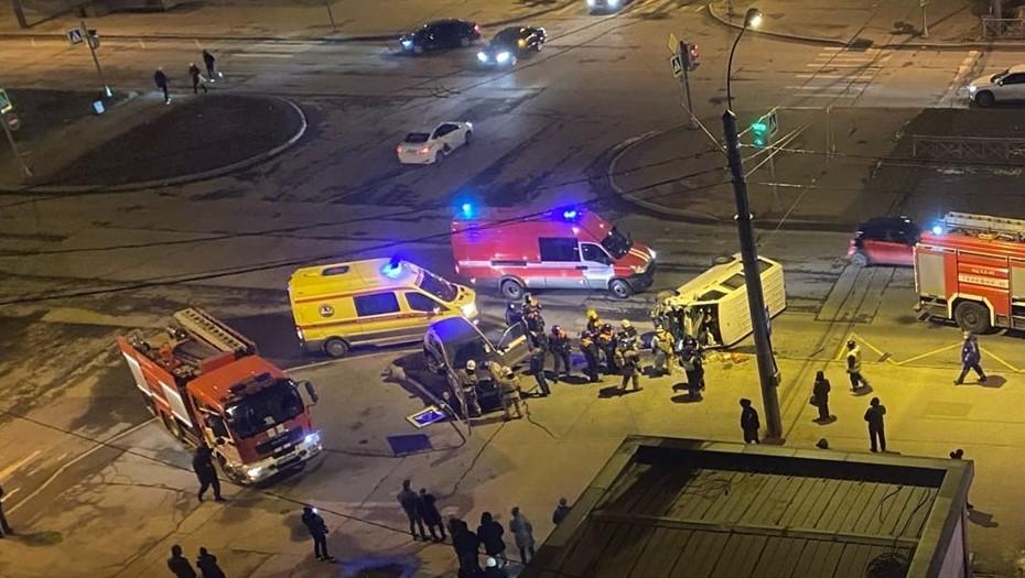 Двое человек пострадали в ДТП на Богатырском проспекте