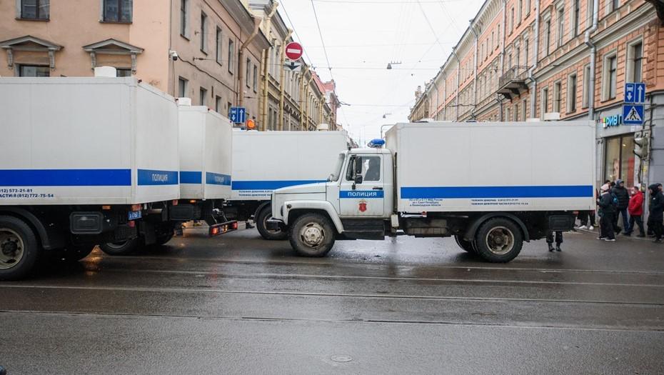 ГУ МВД Петербурга: журналистов увозили в полицию с акций протеста законно