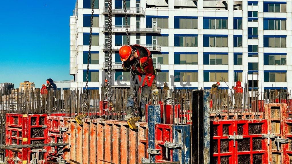 Летом 2022 года в офисном квартале STONE Towers появятся первые 1 300 новых рабочих мест