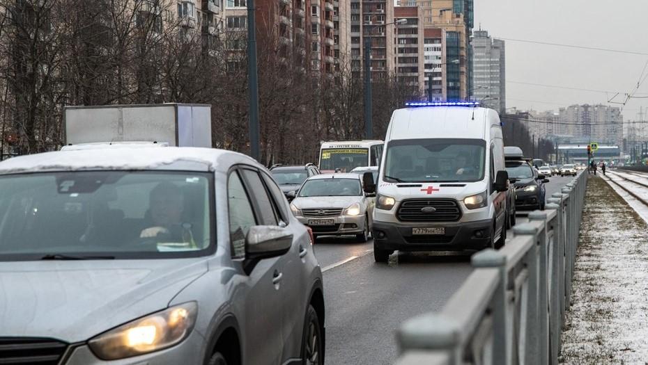 Молодой петербуржец попал в больницу после встречи с хулиганами