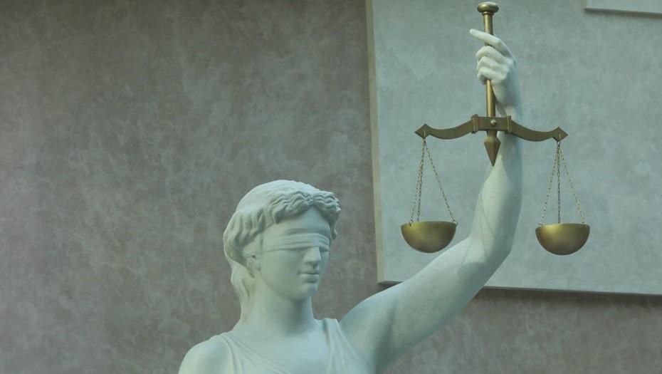 На Беглова подали в суд из-за требования носить маски