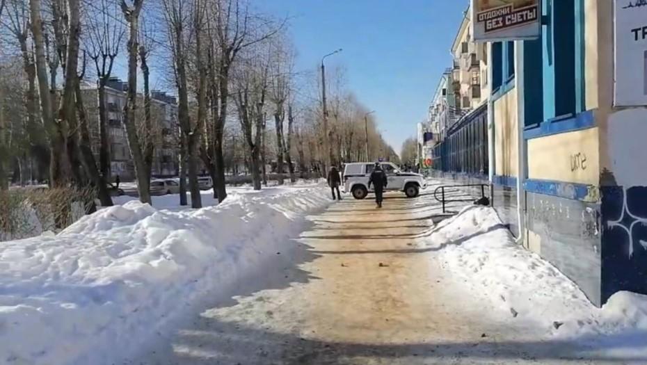 Напавший на офис микрозаймов в Северодвинске сдался, жертв нет