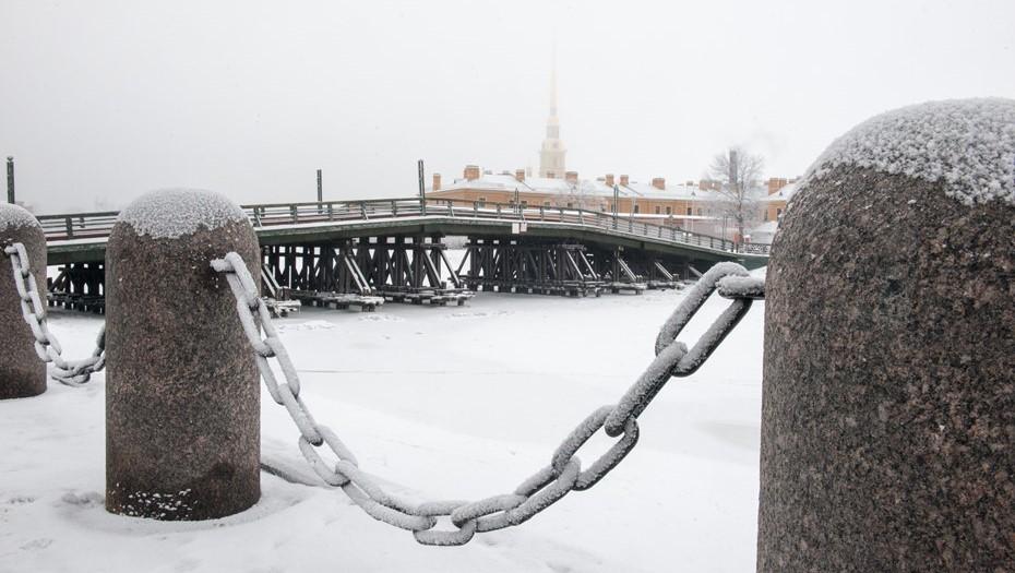 Отколотые в граните: разберут ли Петропавловку ради почётных граждан