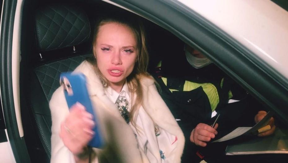 """Паблик """"Дорожный инспектор"""" заявил о давлении из-за пьяной сотрудницы ЗакСа"""