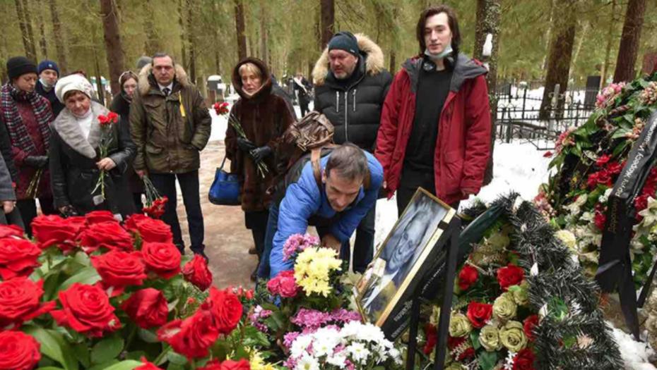 Петербург почтил память Жореса Алфёрова