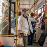 Петербургским льготникам запретят получать несколько проездных