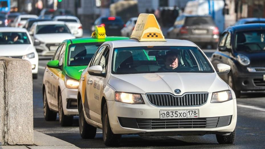 Петербуржцы поддержали идею создания кодекса таксистов