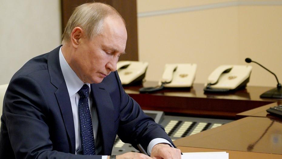 Путин допустил снятие COVID-ограничений к концу лета