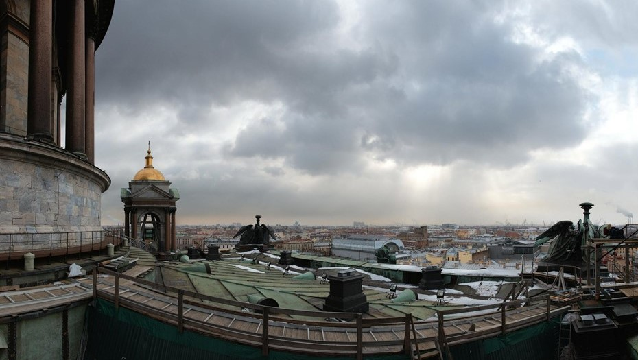 Рабочая неделя в Петербурге завершится пасмурным, но тёплым днём