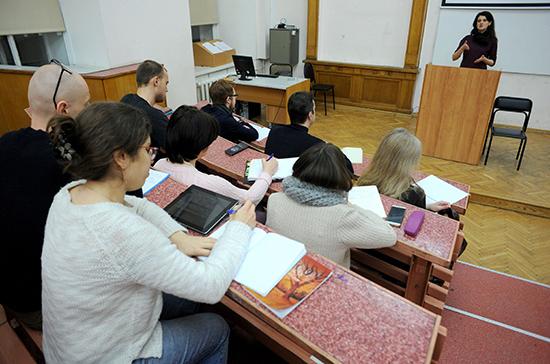 Студенческие стипендии проиндексируют на 3,7%