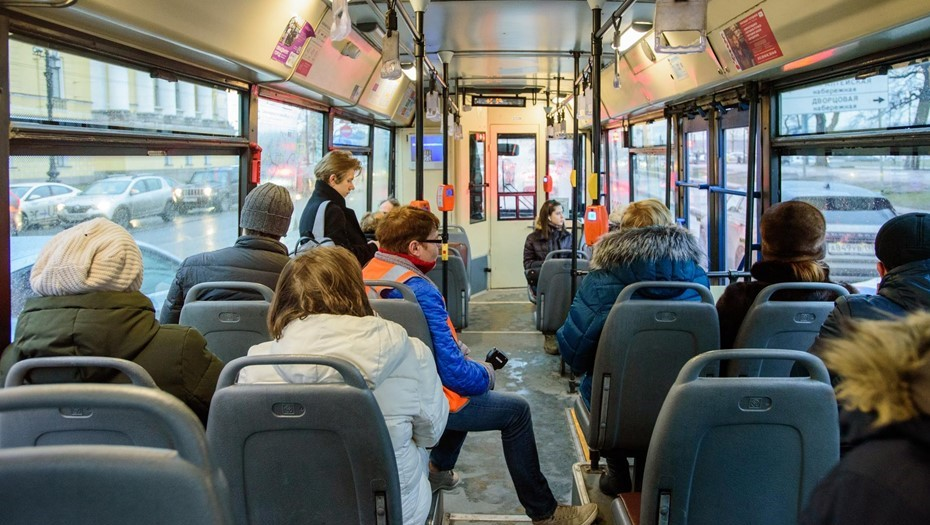 Только 10% петербуржцев пользуются транспортом без кондуктора бесплатно