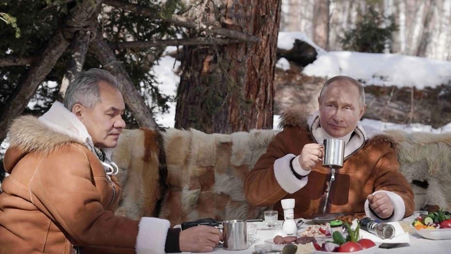 В Кремле рассказали об отдыхе Путина и Шойгу в тайге