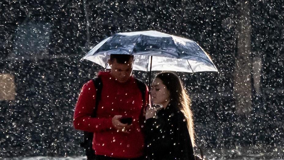 В Петербург придут дожди, но тепло останется