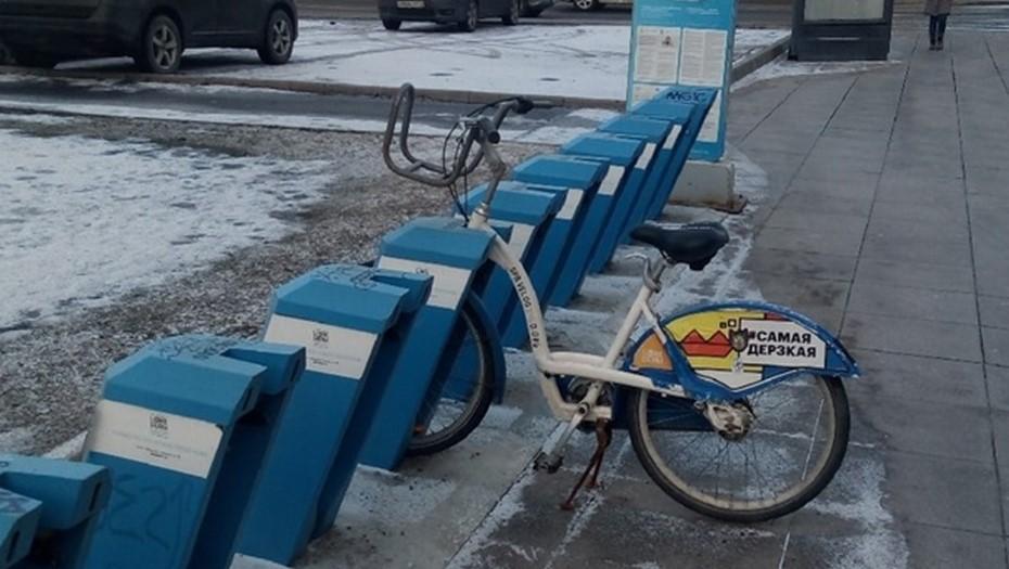 В Петербурге начали сносить городские велопарковки