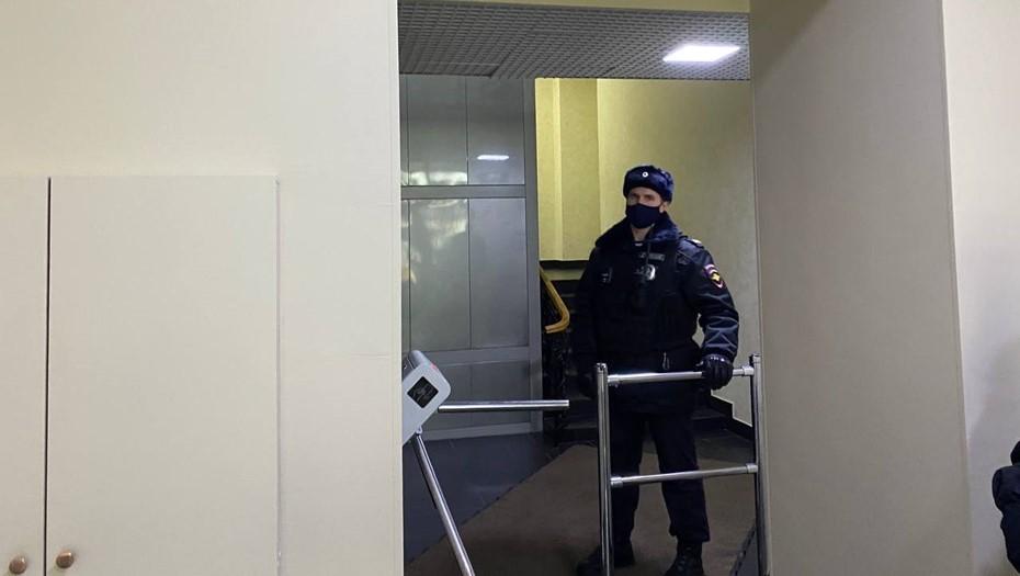 """В петербургском и московском офисах """"Открытки"""" проходят обыски"""