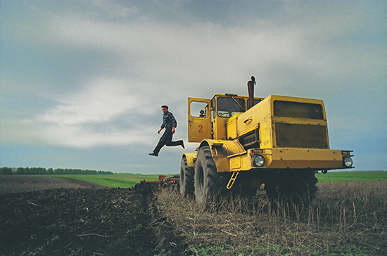 За неправильную эксплуатацию тракторов предложили наказывать строже