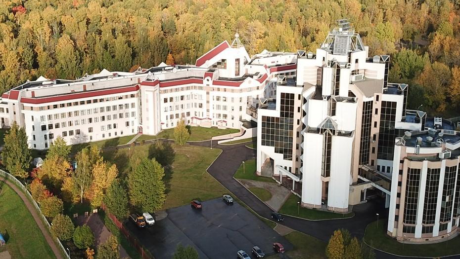 Алфёровский университет в Петербурге решил объединиться с Политехом