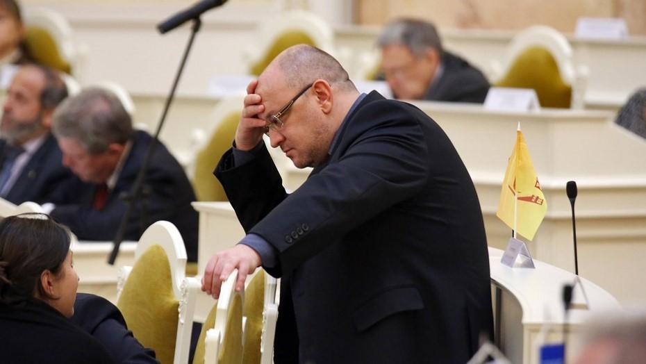 Депутата Резника допросили в СК по делу о наркотиках