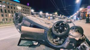 """Два человека пострадали в двух ДТП с """"перевёртышами"""" на Московском проспекте"""