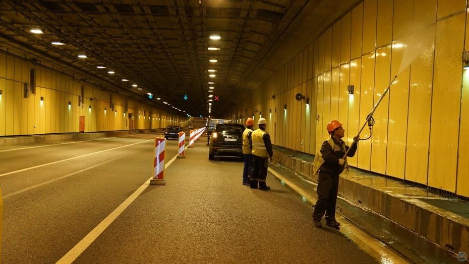 Движение в тоннеле дамбы снова ограничат на несколько дней