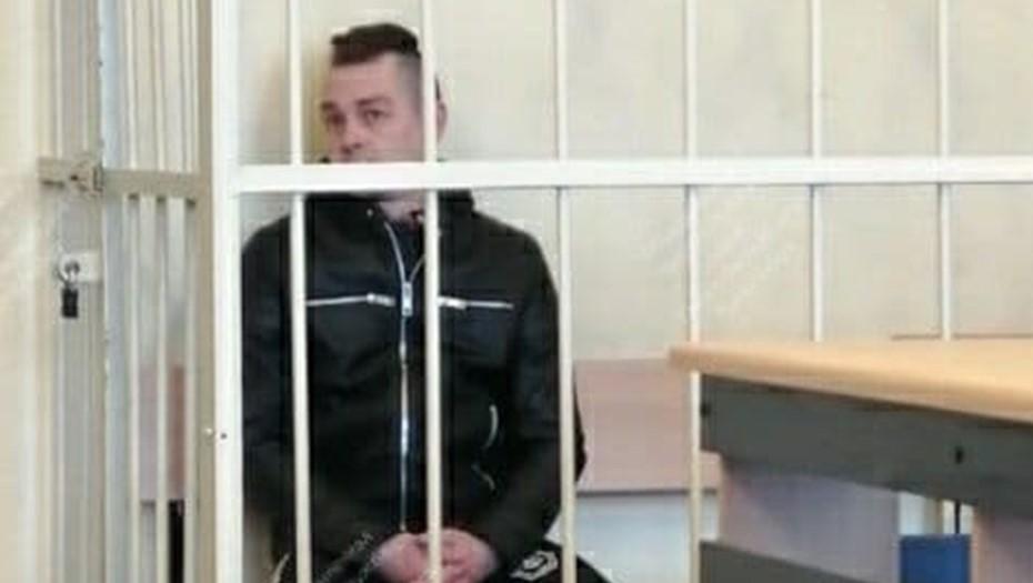Обвиняемому в призывах к беспорядкам в Петербурге запретили ночью покидать дом