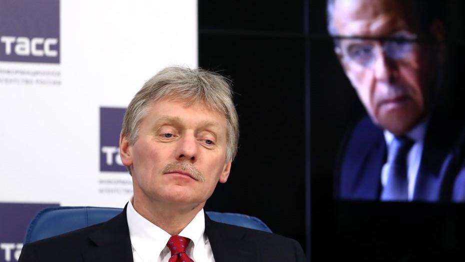 Песков не исключил отключения России от SWIFT