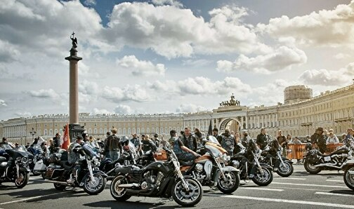 Петербург открывает мотосезон грандиозным парадом