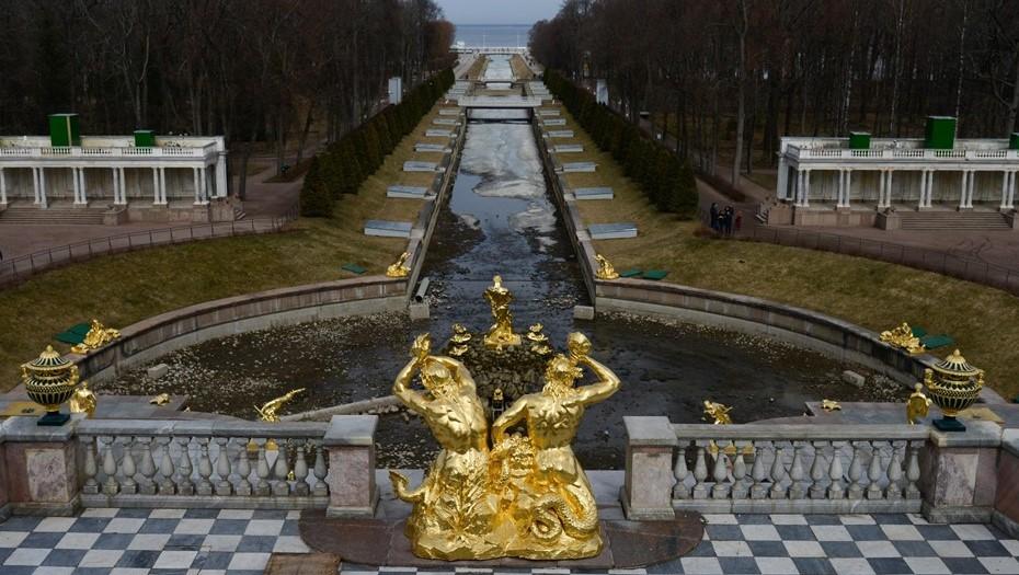 Петергоф открывает новый сезон трёхсотлетним юбилеем системы фонтанов
