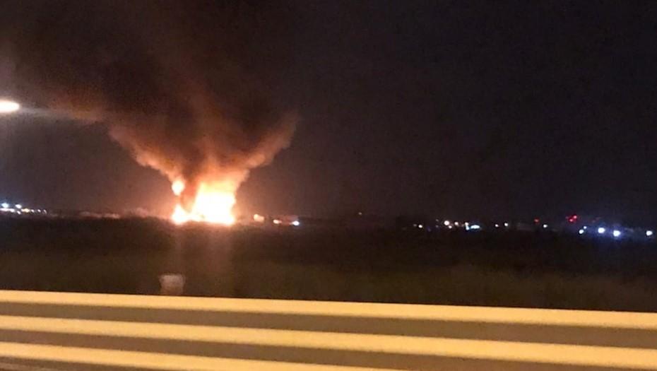 Пожарные потушили загоревшуюся свалку стройматериалов на Волхонском шоссе